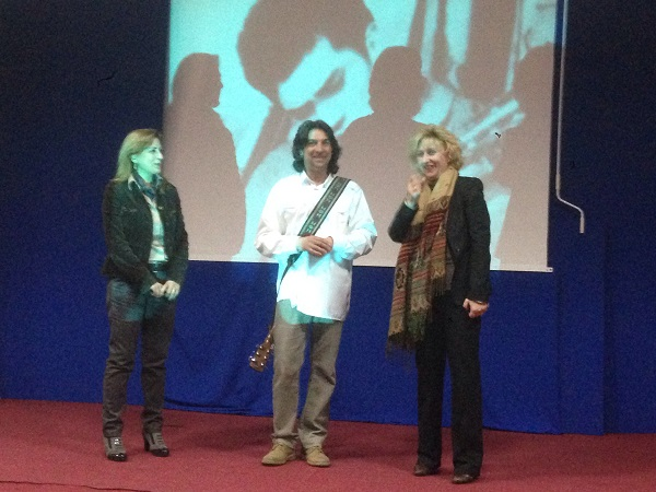 L'artista Nino Racco omaggia Luigi Tenco