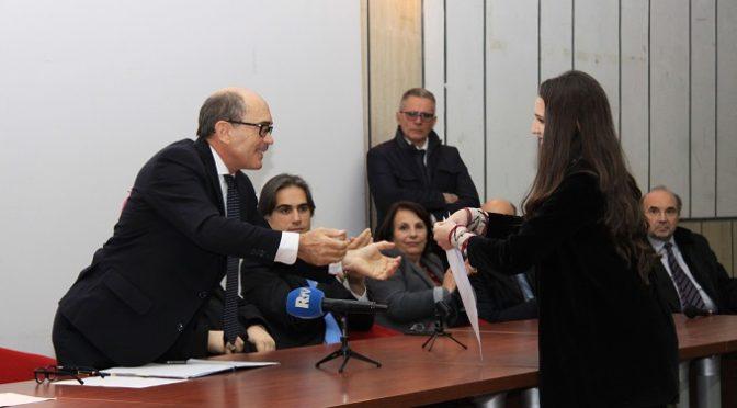 Gli studenti del Liceo Piria salutano il Procuratore Federico Cafiero De Raho, nominato Procuratore Nazionale Antimafia e Antiterrorismo