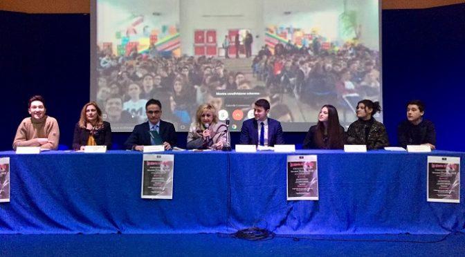 """""""La storia tra le dita"""" Seminario di legalità e giustizia con Massimo Savastano"""