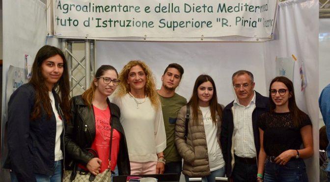 """Gli studenti del Piria concludono il percorso ASL all'Università Mediterranea. Manifestazione """"Universo Mediterranea. Una rete per il futuro"""""""